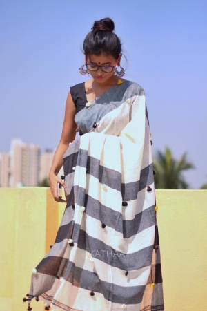 Khadi Mul Cotton Saree with Anchal Pom Pom