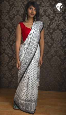 Black and White Malmal cotton fabric saree